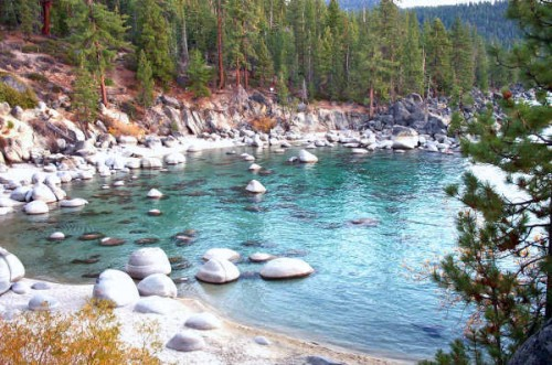 Secret_Beach_-_Lake_Tahoe_East_Shore.jpg (124 KB)