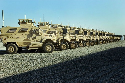800px 1st MaxxPros in Iraq 500x332 MRAP Military Cars