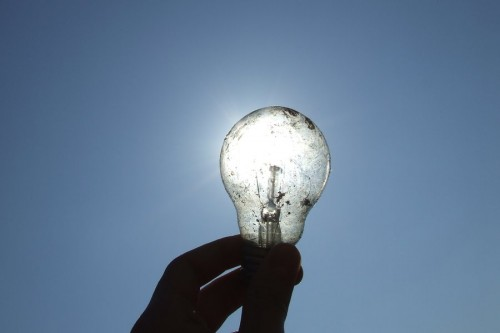 Bright_idea_by_GheorgheLaza.jpg (33 KB)