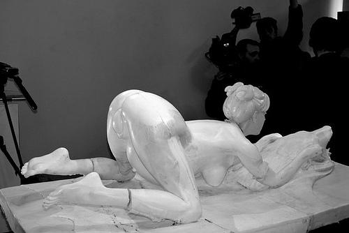 Kim kardashian nude statue artist daniel edwards la