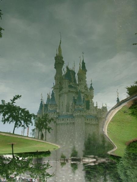 castle-reflections.jpg