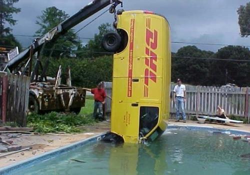 dhl-pool4.jpg