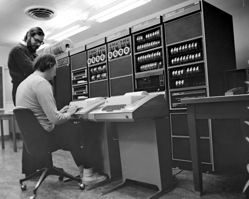 dennis richie and brian kernighan using a pdp 11.thumbnail Dennis Richie and Brian Kernighan using a PDP 11 Computers