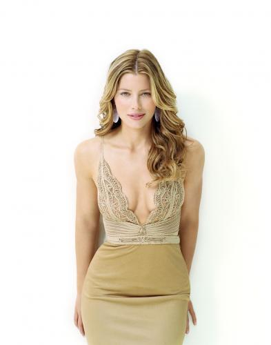 jessica biel smith upgrades 3.thumbnail Jessica Biel   See Through Top Sexy