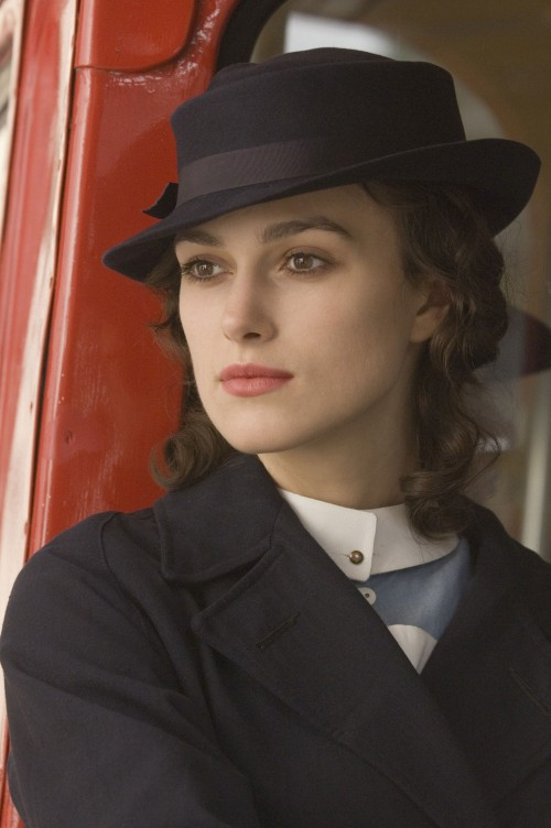 kiera knightly 500x752 Kiera Knightly   Dressed All proper Sexy