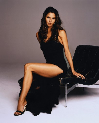 charisma carpenter black dress 406x500 charisma carpenter   Black Dress Sexy