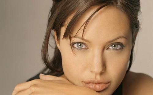 Angelina Jolie - Amazing Eyes