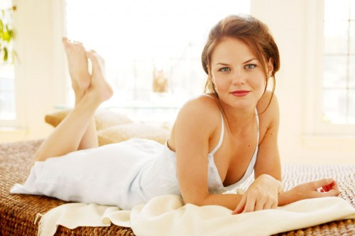 jennifer morrison sundress 500x332 Jennifer Morrison   Sundress