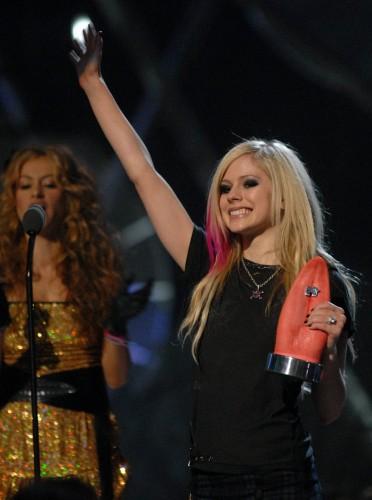 Avril Lavigne Wins A Pink Vagina