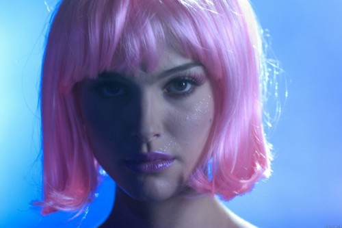 Natalie Portman in Stripper wig