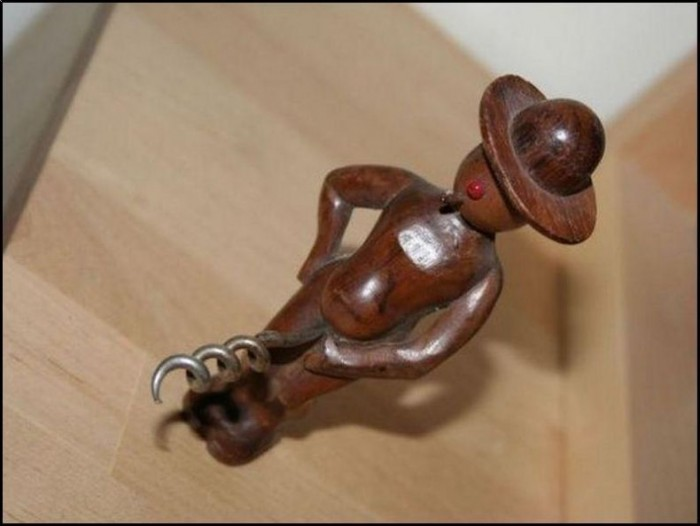 cocky cork grabber
