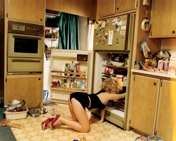 scarlett johansson  searching her fridge