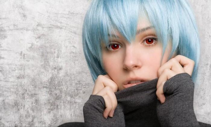 blue hair - red eye