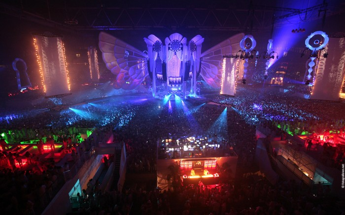 awesome rave scene