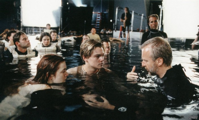 titanic cast with director 700x421 titanic cast with director