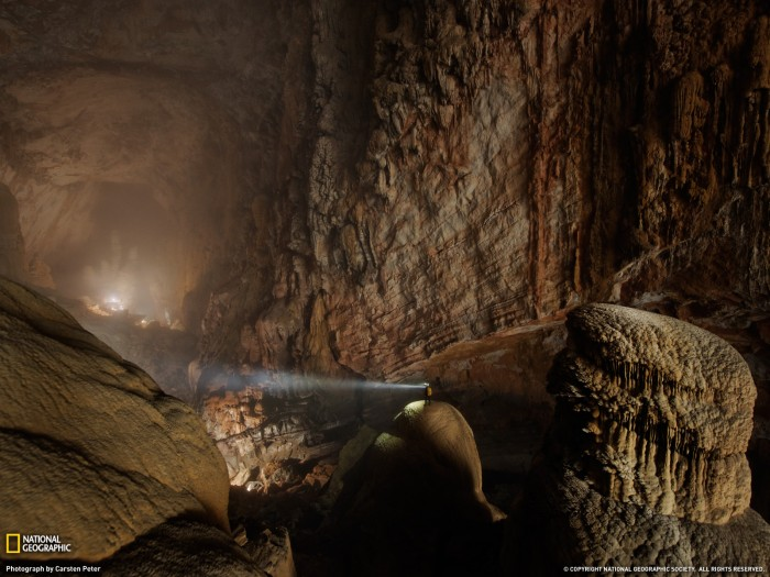 largest natural cave in the worls