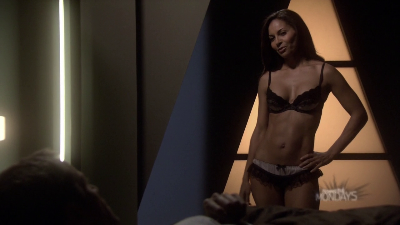 Salli Richardson-Whitfield is Allison Blake – sexy ass and abs (31)