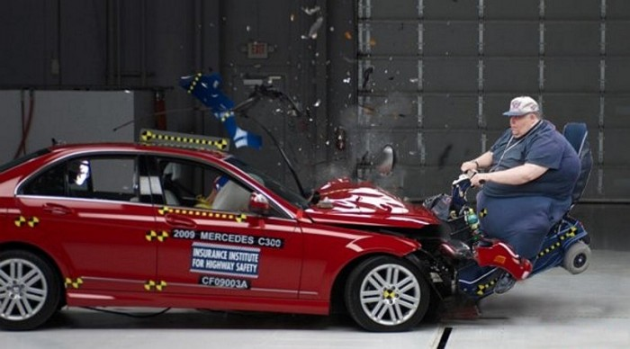 mercedes car crash test.jpg