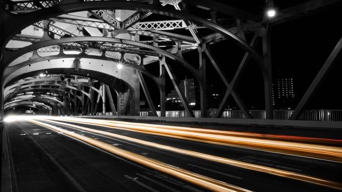 sacramento tower bridge passing.jpg