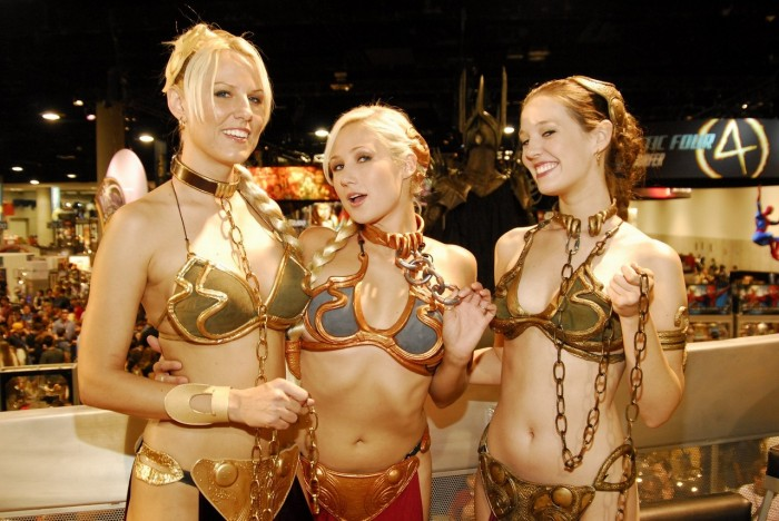 blonde Slave leia  700x468 blonde Slave leia  star wars slave leia Sexy not exactly safe for work cosplay
