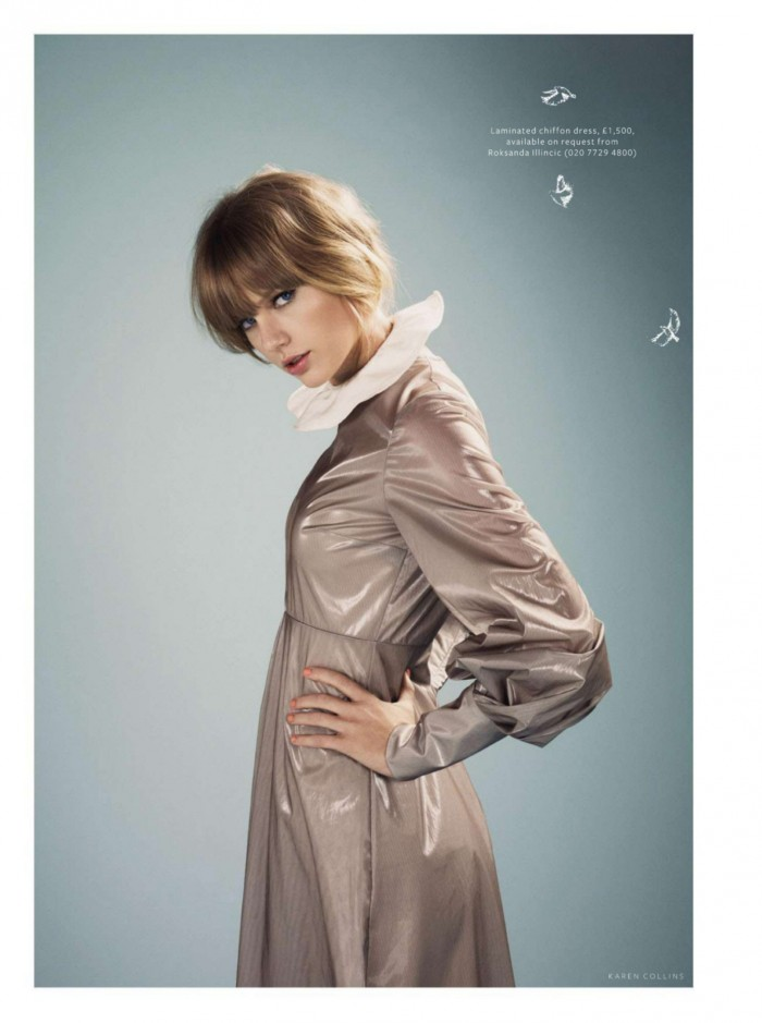 Taylor Swift in a rainsuit.jpg