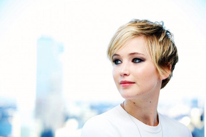 Jennifer looking to her right.jpg