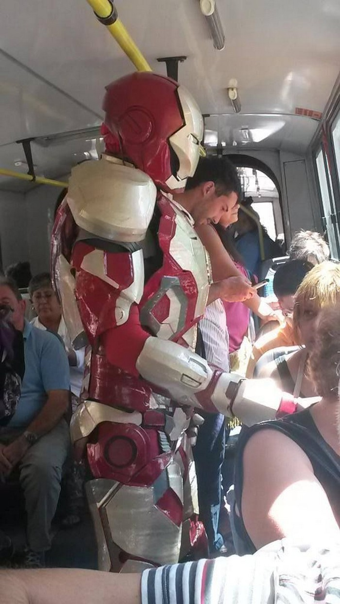 Iron man on the sub 700x1244 Iron man on the sub