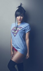 img sexy dc tee superman 150x248 comic girls