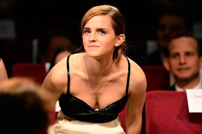 Emma Watson has nice clevage.jpg