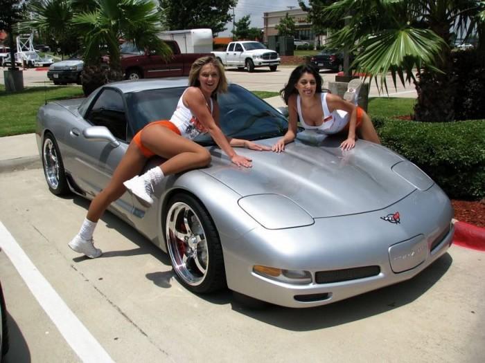 Hooter Car Hoodies.jpg