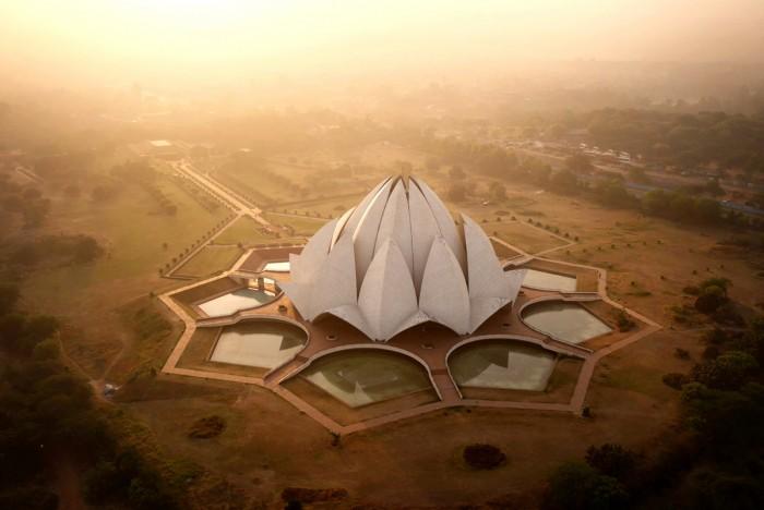 Lotus Temple, India.jpg
