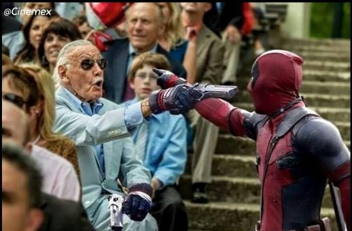 Deadpool vs Stan Lee 700x459 Deadpool vs Stan Lee