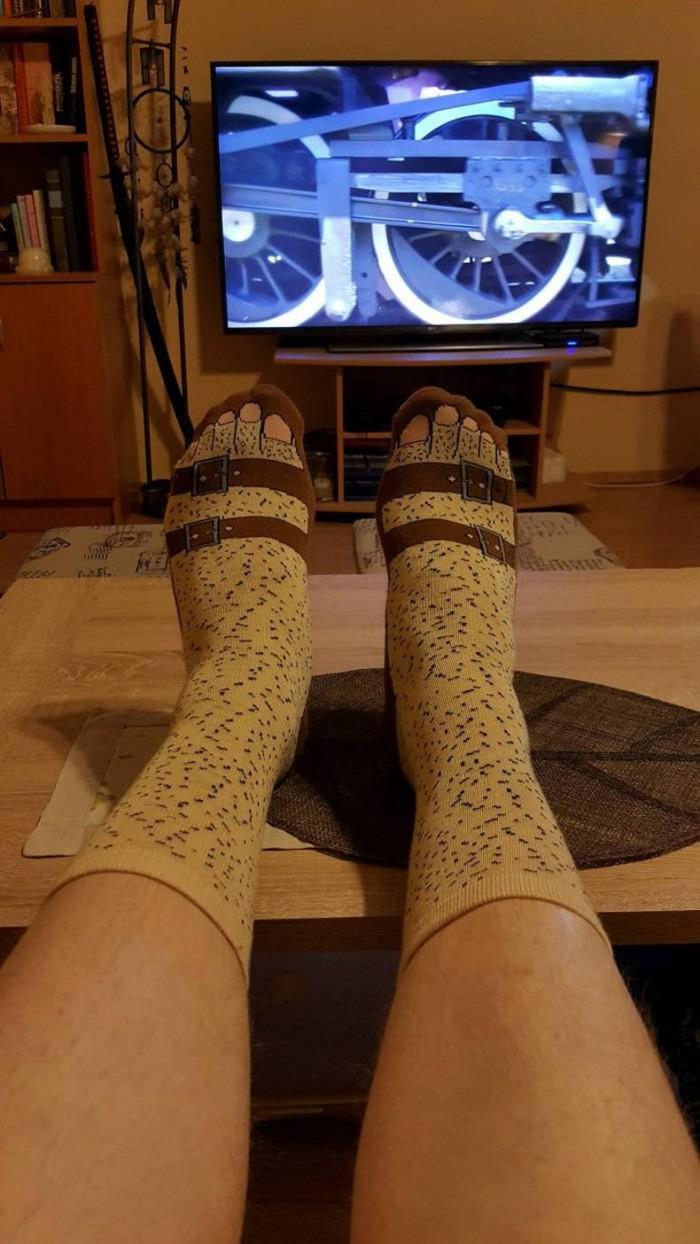 toe socks.jpg