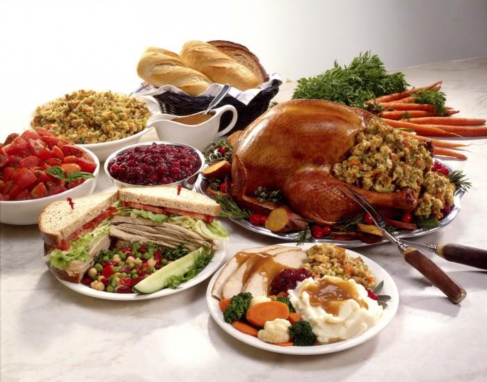 Happy Thanksgiving Wallpaper - Full Dinner.jpg