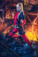 Deadpool Ellei Marie 004 150x225 deadpool blonde cosplayer