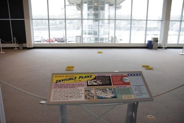 invisible plane 700x467 invisible plane
