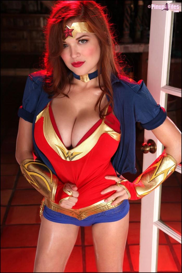 Wonder Woman sure is busty now.jpg