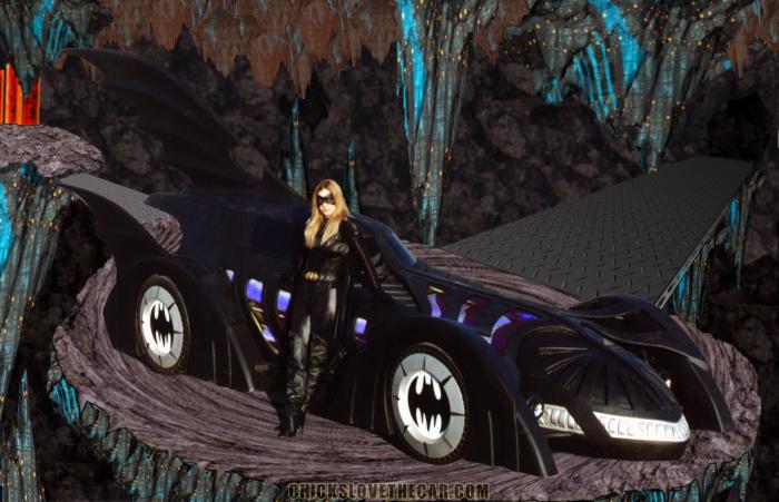 Batmobile with sexy girl 700x451 Batmobile with sexy girl