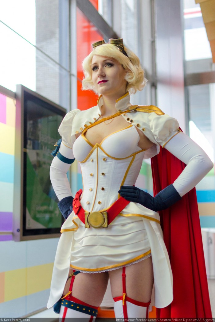 Steampunk Power Girl Rini Cosplay Wonder Woman Kotone Cosplay 002 700x1050 Power Girl and Wonder Woman cosplayers