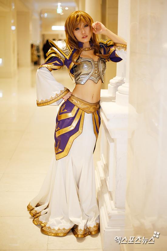Tasha as Jaina Proudmoore.jpg