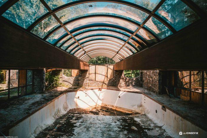 Abandoned inside pool.jpg