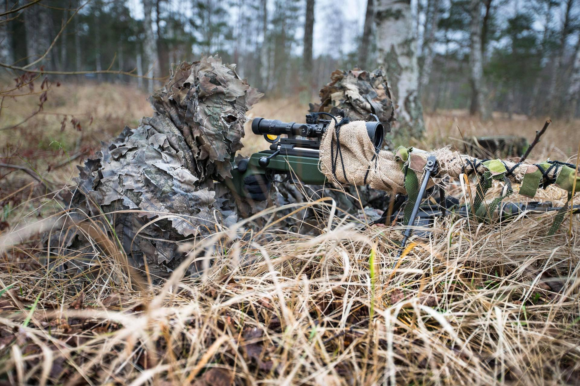 """Finnish Army snipers in camouflage called &quotrollipuku"""" troll suits in military slang 1280?"""
