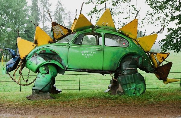 dino-beetle.jpg (111 KB)
