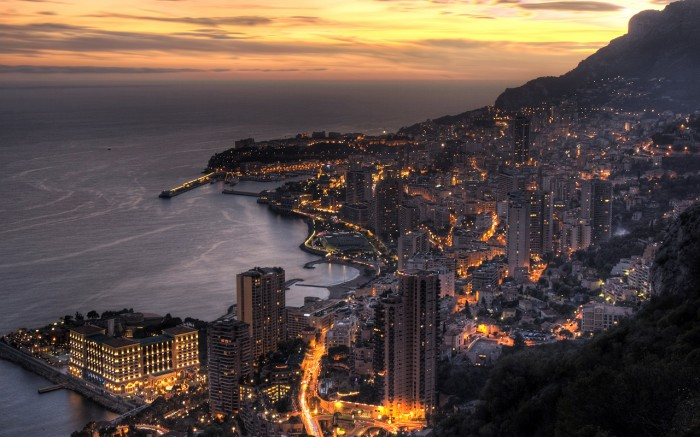 Monaco-Coastal-City-At-Night-.jpg (662 KB)