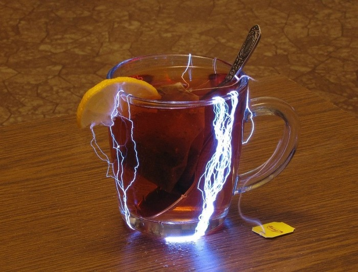 electric tea 700x532 Electric tea wtf Photography interesting electricity drinks