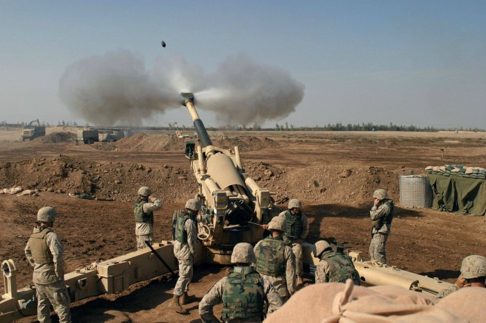 CPJZ1 700x466 marines fire gun Military