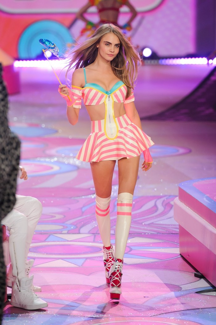 Cara_Delevingne_Victorias_Secret_Fashion_Show.jpg (264 KB)