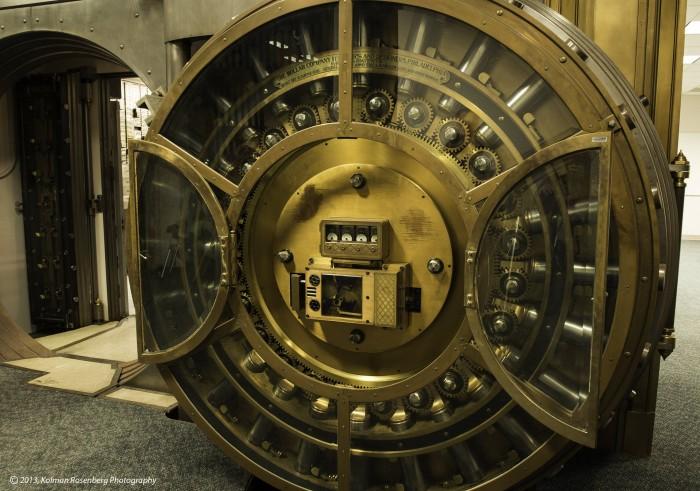 vault.jpg (580 KB)
