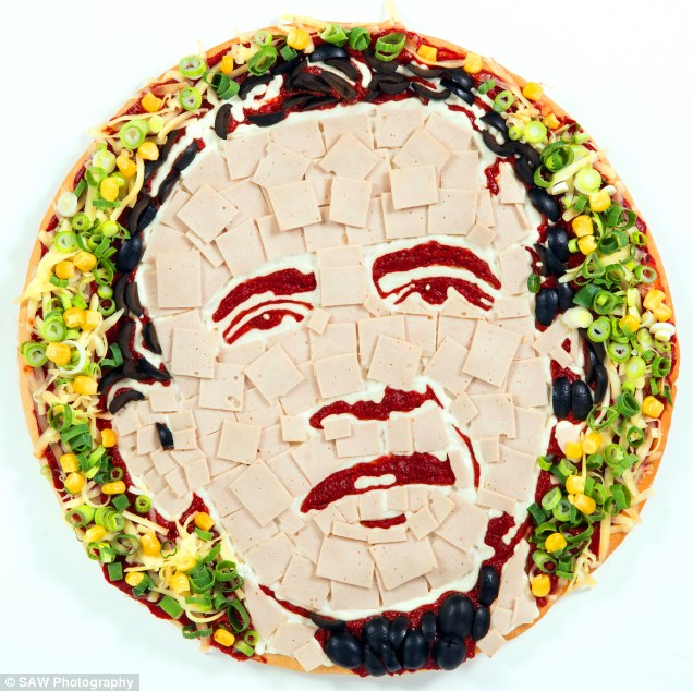 article 2315573 19812A02000005DC 328 636x634 Celebrity Pizza Food Celebrities