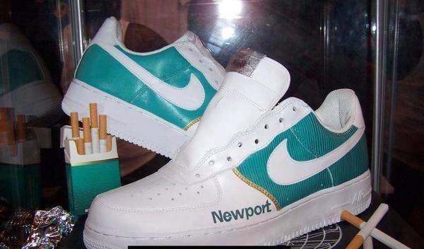 cigarette_sneakers.jpg (47 KB)